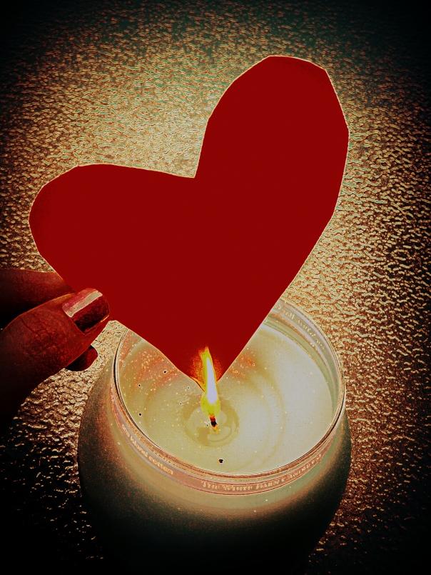 candle heart enamor